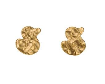 Gold small duck stud earrings, hammered bird girl 10 mm earrings, duck bird lovers gift