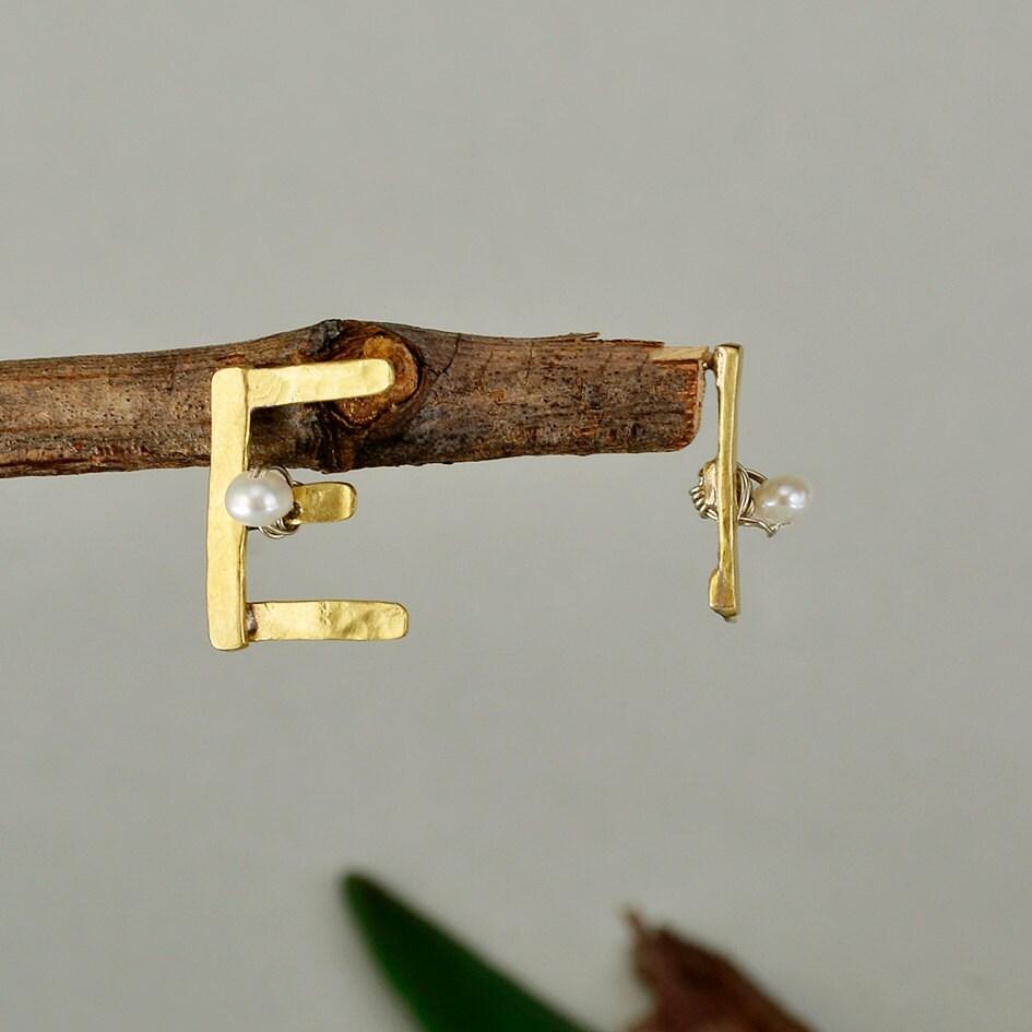 7b2580f50 Letter custom stud earrings, initial personalized gold stud earrings ...