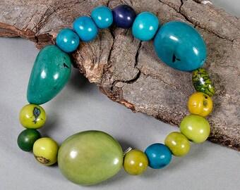 Tagua elastic bracelet, green turquoise bangle, adjustable bead bangle, eco jewel, woman handmade gift, stackable bangle, stretch bracelet