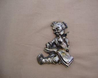 Vintage Brooch/Pin The Reader