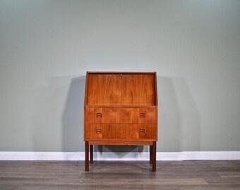 Beautiful in TeakDelivery Desk Midcentury Vintage Bureau lcKuFT1J3