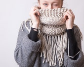 Chunky knit scarf with fringes, Beige loop cowl, Oatmeal bulky and cozy wool snood, Cool gifts for best friends, Warm winter snuggly scarves