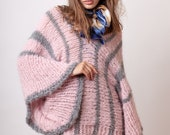 Color block knit sweater, in pink with gray stripes, V neck and wide oversized sleeves made of alpaca yarn