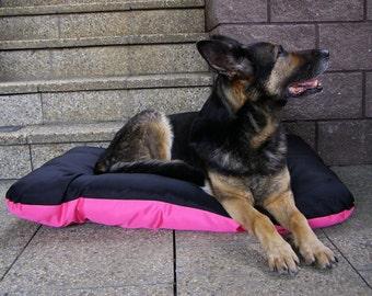 Original waterproof dog bed, pink with black