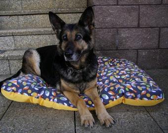 Original waterproof dog bed, birds with yellow