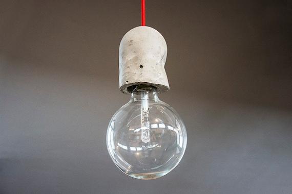 Filippo gianchecchi architetto con lampada filo a vista e dsc