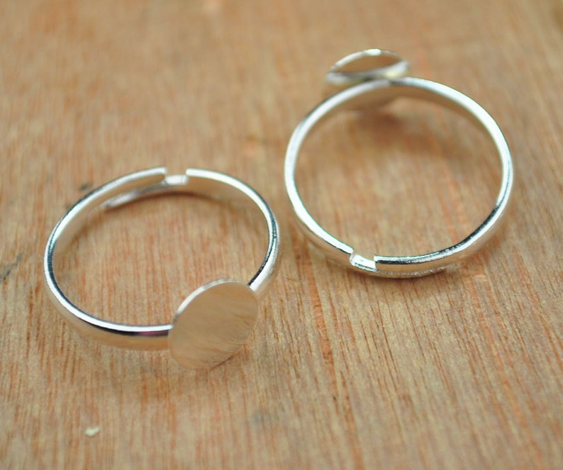 30 Silver Rings,Shiny Silver Ring Base Adjustable with 8mm Round Pad,Silver Blank Ring Pads,Adjustable Ring Pads,DIY Rings,Jewelry Supplies.