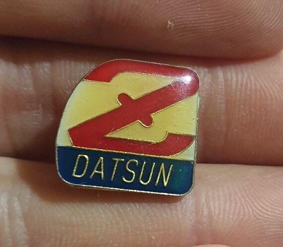 Datsun, Datsun pin, Datsun car, datsun car logo, g