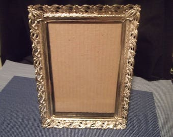 Vintage 6 in. x 8 in. Gold w/White Metal Scalloped Filigree Edge Picture Frame