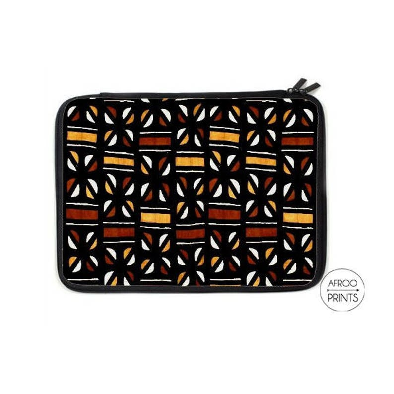 AFROOPRINTS Wax L African printed computer pouch image 0