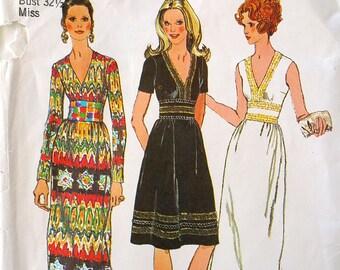 c30c1f3bd2af15 Vintage 1970 jurk met V-hals in twee lengtes naaien patroon-eenvoud  9707-size 10-(32