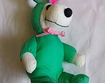 RARE Vintage peanuts snoopy united feature syndicate Easter plush FAST SHIPPING