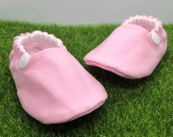 Pink baby shoes, pink crib shoes, pink toddler shoes, soft sole pink baby booties, pink baby slippers, girl baby shower gift, pink moccasins