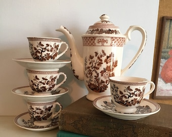 Vintage Transferware Teapot and Cups Set
