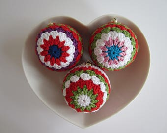 """Set of 3 x 4"""" Christmas Baubles"""