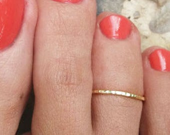 Textured Toe Ring Silver Plated / Sterling Silver  Gold Plated / 14K Gold Filled