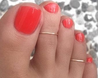 1 SILVER PLATED toe ring/ Chevron Toe Ring/Foot Jewelry/Toe rings/Gold toe ring/Silver toe ring/Adjustable toe ring/(Non Tarnish)