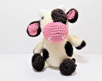 Clover the Cow crochet pattern **pattern only**