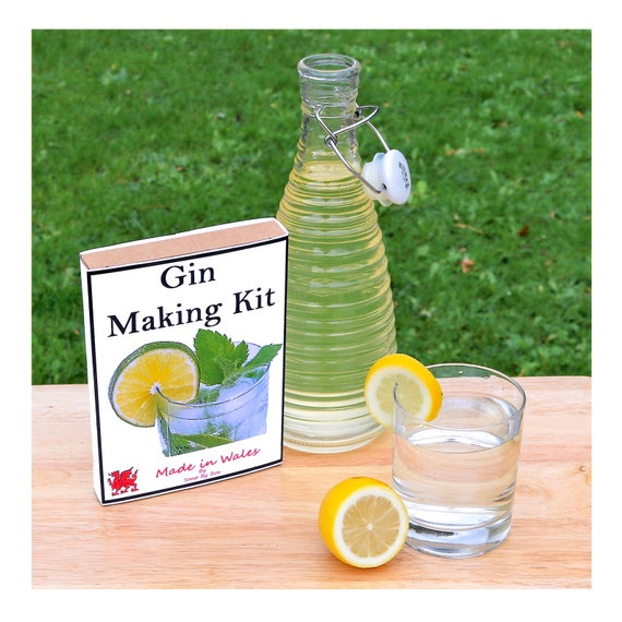 Gin Making Kit - Make Your Own Botanical Gin at Home - Unusual Gift for Men, Women, Him or Her