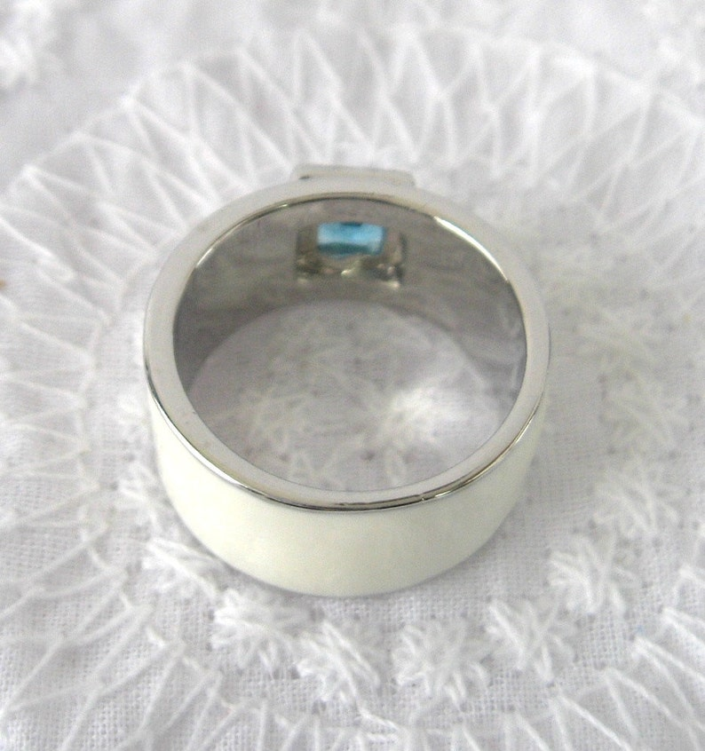 Modern Ring Princess Square Cut Blue Stone White Enamel Size 6 Square  Silver Plated 1990 Industrial Chic