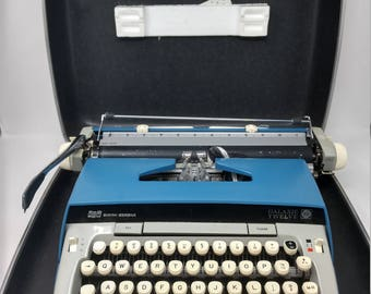 Vintage Smith Corona Typewriter, Smith Corona Blue, Galaxie 12 Typewriter, Electric Typewriter, Vintage Blue Typewriter, Galaxy 12