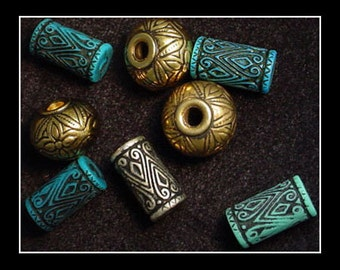 8 Assorted Premium Craft Beads