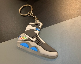 0fc61f26e45ac6 Back To The Future Nike Air Mag Keychain Keyring Movie Prop Marty Mcfly  Power Laces