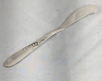 REED /& BARTON STERLING SILVER CLASSIC ROSE FLAT HANDLED BUTTER SPREADER # DBW