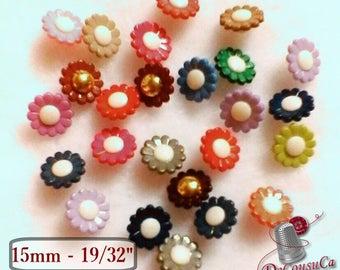 12 Buttons, Flower colors, 15mm, 6L, (19/32 inch), buttons flower, vintage, BF62