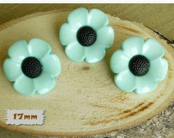 3 buttons, 17mm, flower, light green, center black, plastic, 1980, vintage, GR04