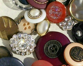 12 buttons, Vintage, 1960-1990, chic, with metal, or kits, colors various, different sizes, photo example, BA110