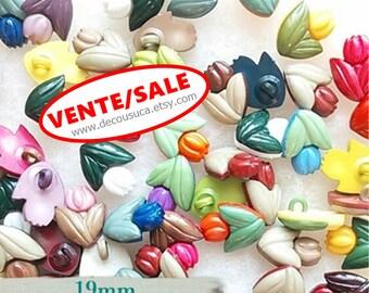 SALE, 20 Buttons MIXTES, 19mm, Tulip, plastic, colors mixtes, vintage, (Reg 10.00)