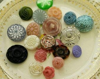 20 Buttons, Old, Vintage, Unique, Chic, Stem, Decorative Button, Old Button, LUCITE, 1950, 20 Buttons Kit