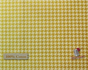 Houndstooth, gold, white, Édition Fabric, multiple quantity cut in one piece, 100% Cotton, (Reg 2.19-12.99)