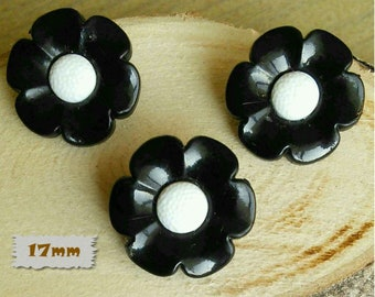 3 buttons, 17mm, flower, black, center white, plastic, 1980, vintage, GR04