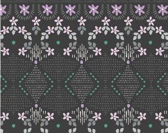 Little details, Green, Bear Hug, 21181505, col 03, Camelot Fabrics, 100% Cotton