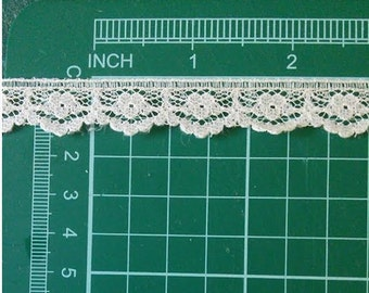 5 yards, Lace vintage, 15mm, .59 pouce, Cream, (4.60 metres), DT02