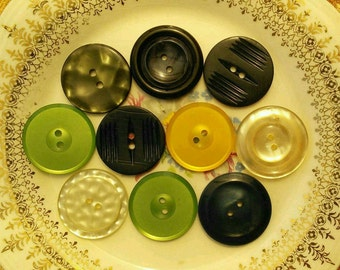 28mm, 10 Buttons, 2 Holes, Vintage, Lucite, Celluloid, Antique Button, Decorative Button, Vintage Button, Mixed Button, 1950-1980