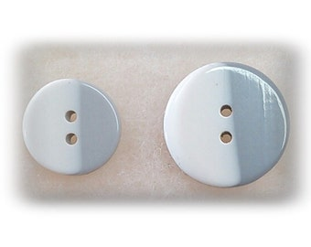 2 buttons, 16mm, or 21mm, Gray and White, vintage, BM28