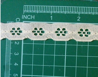 5 yards, Lace vintage, 16mm, .63 pouce, Cream, (4.60 metres), DT03