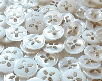 50 Buttons, 16mm, 5/8in, pearly, white, 4 holes, decorative, resin, Vintage, BF27, (Valeur de 7.50),