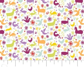 Fabric animals, 100% coton, #30200402, WHITE - Eternally Yours of Camelot Fabrics