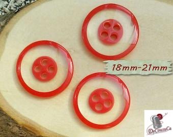 3 Buttons, 18mm, 21mm, transparent, red, 4 holes, decorative, Vintage, 1970, GR07