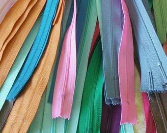 YKK, 8 or 25 Zippers YKK, (Reg 9.99), SURPRISE, varied color, varied size, 12 cm - 65 cm, no 3, nylon, perfect for wallet, clothing, repair,