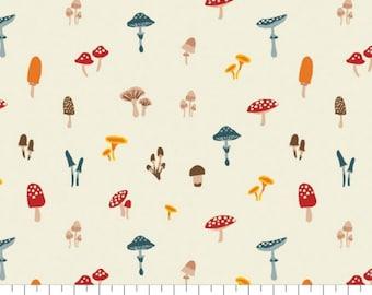 Fabric mushroom, 100% coton, #82200103, CREAM, Sweater Weather de Camelot Fabrics