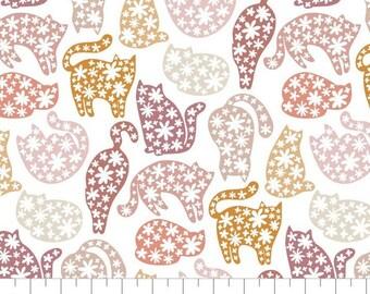 Fabric Floral Kitten Poses, 100% coton, #66200502, WHITE - Smitten Kitten de Camelot Fabrics