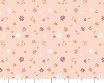 Fabric Flowers, 100% coton, #66200507, PINK - Smitten Kitten de Camelot Fabrics