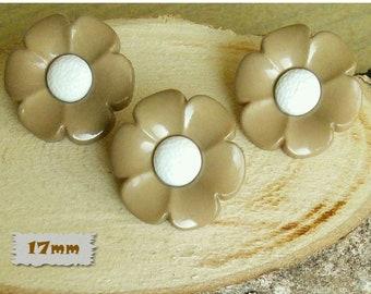 3 buttons, 17mm, flower, beige, center white, plastic, 1980, vintage, GR04