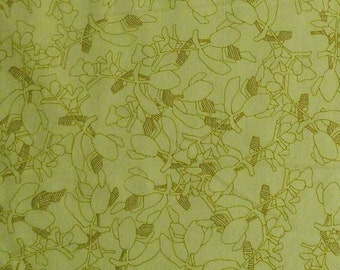 Celery, golt metallic, 19928, col 195, Robert Kaufman, 100% Cotton, (Reg 3.76-21.91)