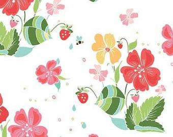 Flower, Bee, Strawberry Honey, C10240, WHITE, Riley Blake, cotton quilt, cotton designer